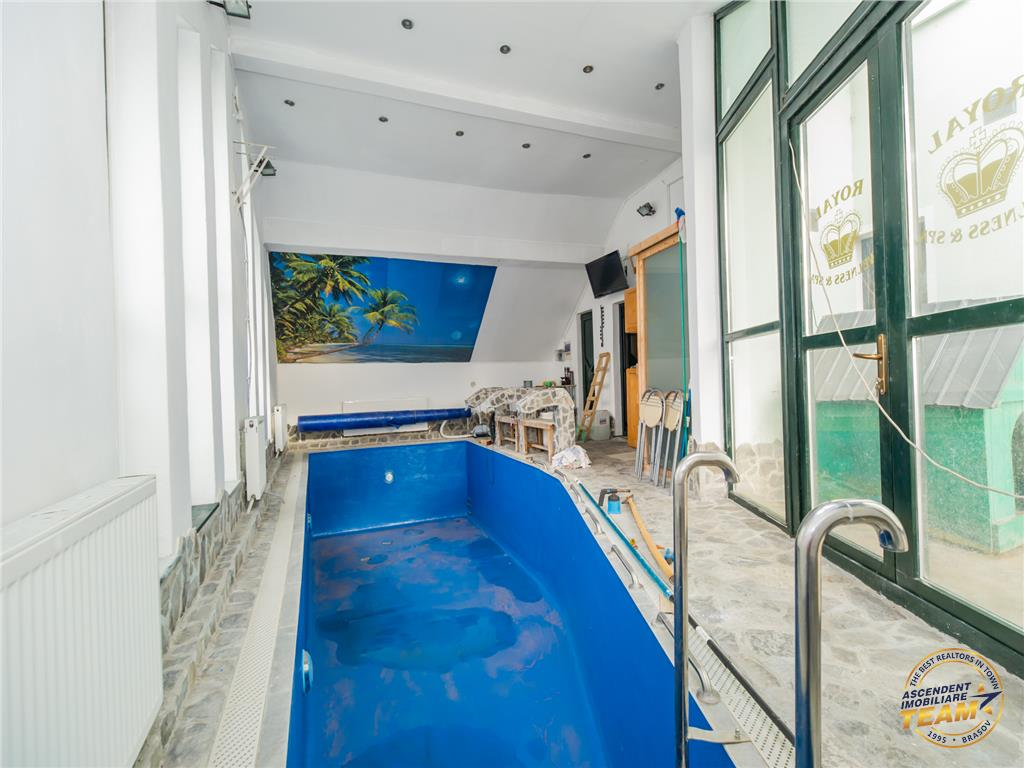 EXPLOREAZA VIRTUAL! Resedinta, 700 mp teren, piscina interioara incalzita cu functii terapeutice