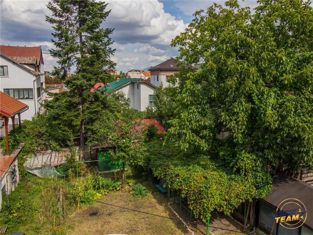 OFERTA TRANZACTIONATA!!!  Imobil compozitie particulara, cu pod propriu, gradina si garaj, Central, Brasov