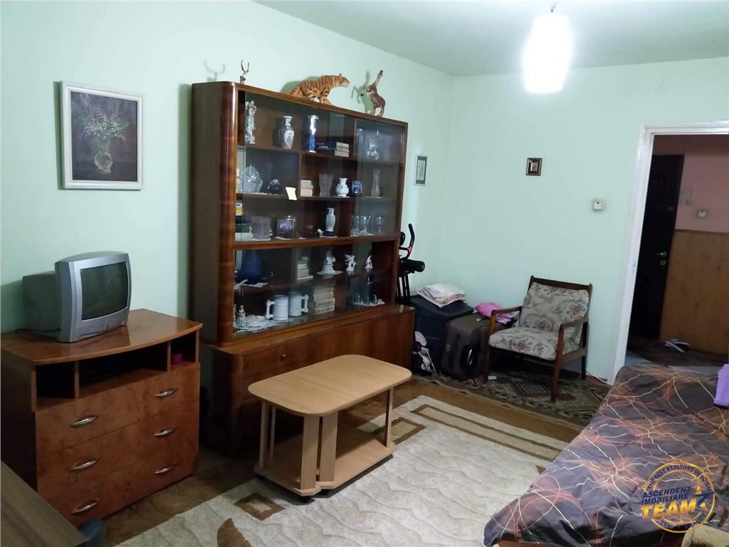 Apartament 3 camere. zona Scriitorilor, Brasov