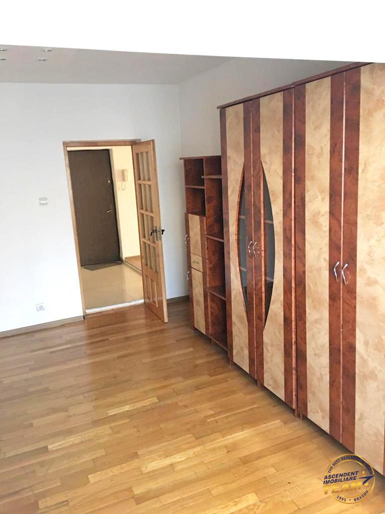 Apartament doua camere, decomandat, Racadau