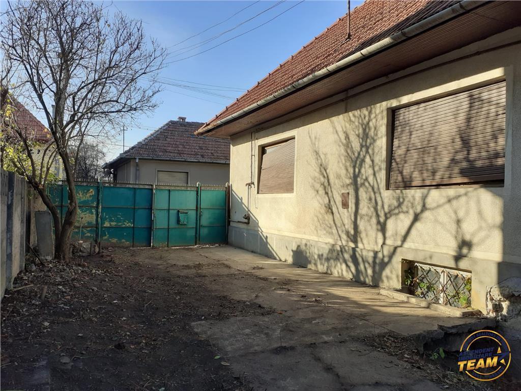 OFERTA TRANZACTIONATA!!Proprietate, singura in curte, zonare de case, Brasov
