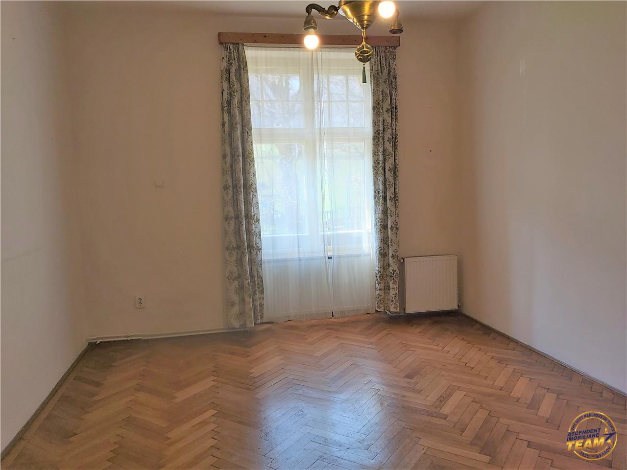 Apartament in vila Interbelica, Parcul Central  Livada Postei, Brasov