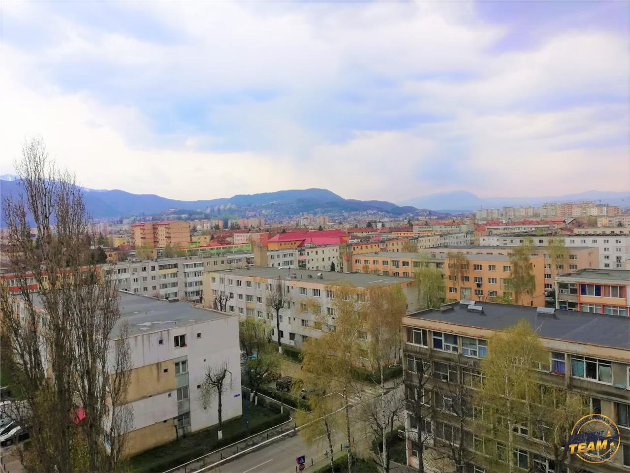 OFERTA REZERVATA!! Garsoniera cu deschidere perspectiva citadina, Tractorul, Brasov