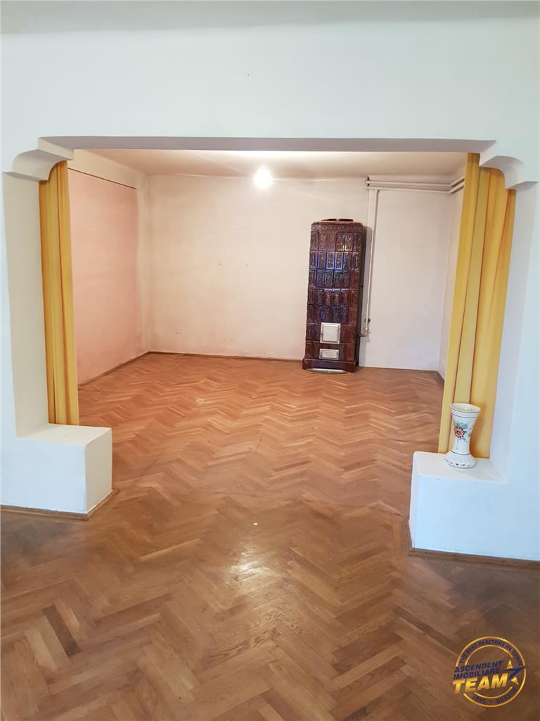 OFERTA REZERVATA!!Segmentul Deosebit! Teren intravilan, Central, + Apartament in vila, Brasov