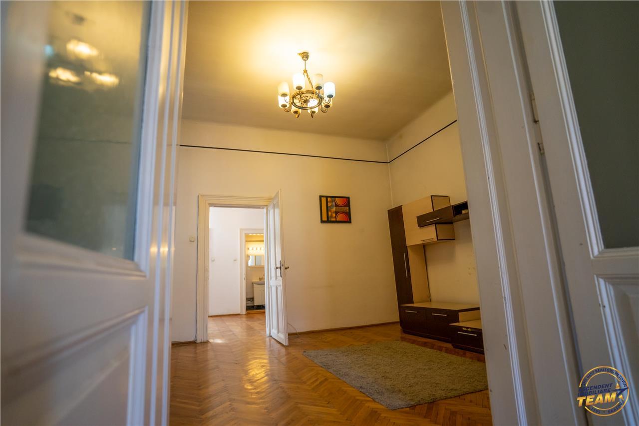 OFERTA TRANZACTIONATA!! EXPLOREAZA VIRTUAL! Elemente de colectie, pe brancoveneasca arhitectura, Central, Brasov