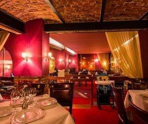 Restaurant segmentul LUX, Republicii - Centrul Istoric, Brasov