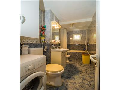 Apartament decomandat, in ambianta verdelui, insorit pozitionat,Brasov