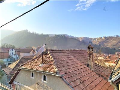 Proprietate pe doua nivele, pretabila si pentru doua familii, Cetatea Brasov