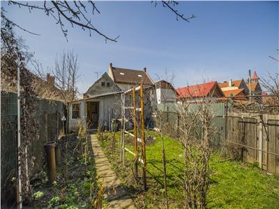 Casa singura in curte + Spatiu comercial, Strada Lunga, Brasov.
