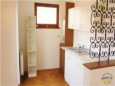 Nivel in vila interbelica,120mp, garaj propriu, Central, Brasov