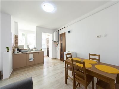 Apartament zona colinara, centrala, cu gradina proprie.