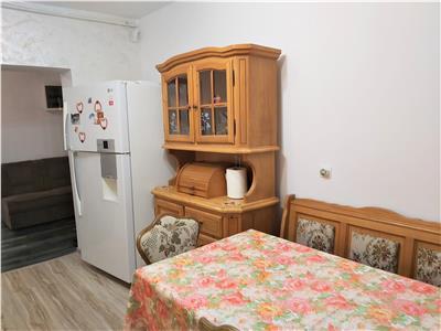Resedinta, pe nivel in vila, Brasov
