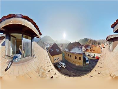 EXPLOREAZA 3D! Distinct nivel in vila, cu terasa in spectacolul colinei montane, Central, Brasov