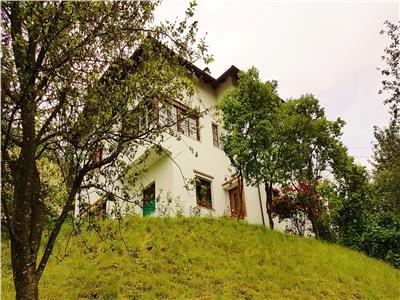 Proprietate conditii speciale,pozitie panoramica,Central,Brasov,gradina de 600mp