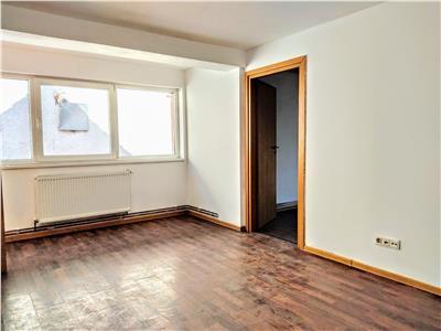 Vila pretabila si spațiu birouri/ sediu de firma, Central, Brasov