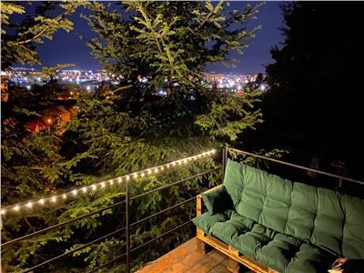 In alintul padurii, apartament in vila, terasa suspendata,  acces gradina