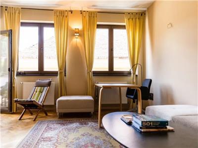 Apartament doua camere, frumos si elegant, situat in Centru Istoric, Brasov