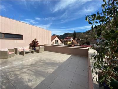 EXPLOREAZA VIRTUAL! Proprietate noua, in vila, 50 mp terasa, in ambianta Cetatii Brasovului