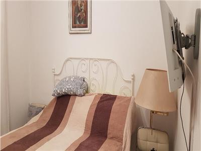 OFERTA REZERVATA TEMPORAR!!Casa cu terasa proprie, imbracata de smochini, Centrul Civic, Brasov