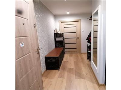 Apartament 3 camere, la Poalele Tampei