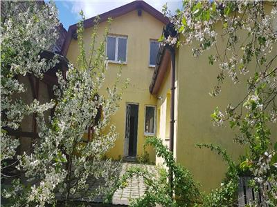 Proprietate cu terasa si gradina de pomi infloriti, Zona Cartierul Florilor