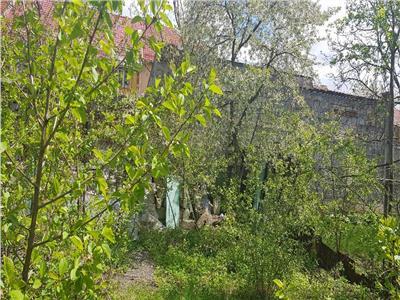 OFERTA REZERVATA!! Proprietate cu terasa si gradina de pomi infloriti, in Cartierul Florilor, Brasov