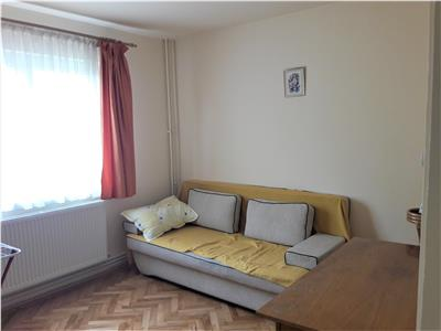 Apartament cochet, doua camere, pozitie avantajoasa, Astra, Brasov.