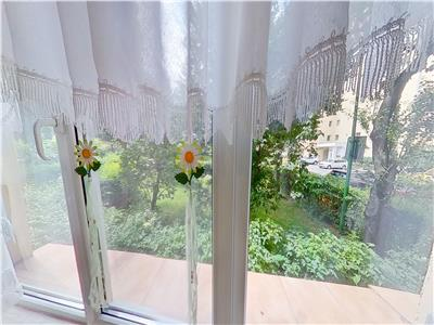 OFERTA REZERVATA! EXPLOREAZA VIRTUAL! Suprafata generoasa, intre gradini de flori, Central, Brasov