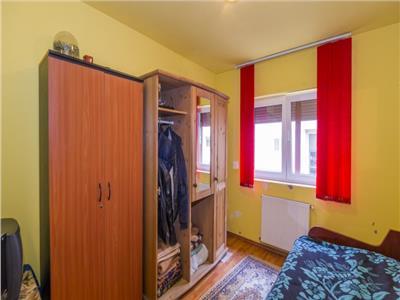 Apartament 3 camere, decomandat, Tractorul.