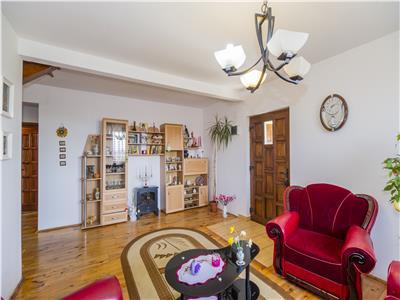 Vila ce te imbratiseaza cu caldura, configuratie remarcabila,  Brasov
