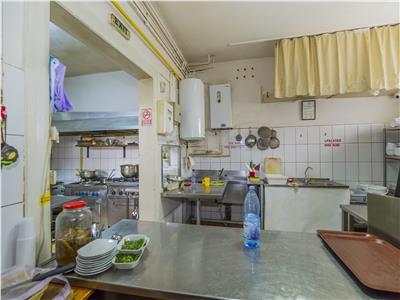 Restaurant in atmosfera prietenoasa, conditii speciale, Central, Brasov