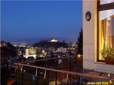 OFERTZA IN CURS DE REZERVARE!! Proprietate in vila, zona Olimpia, pe alai panoramic, cu doua terase si garaj