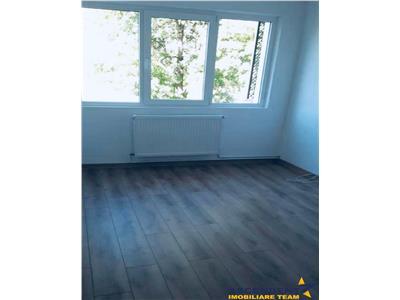 Apartament cu doua camere, semidecomandat, zona Astra, Brasov