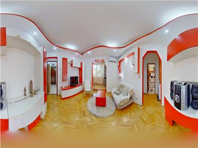 EXPLOREAZA VIRTUAL! Regim vila cu gradina proprie, in eleganta cromatica, Brasov