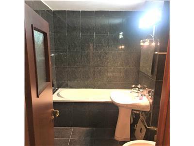 Apartament generos trei camere, Brasov