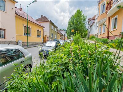 Corp de casa, curte proprie, zona rezidentiala, Central, Brasov