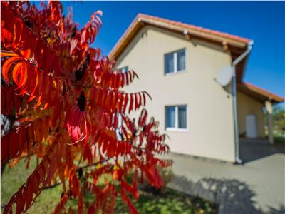 OFERTA TRANZACTIONATA!!!Izvor de lumina, in paleta de culoare a naturii, pe 900 mp teren, Brasov