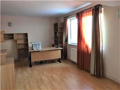 Vila,cu garaj, pe 600mp teren, pozitie privilegiata, Centrul Istoric, Brasov