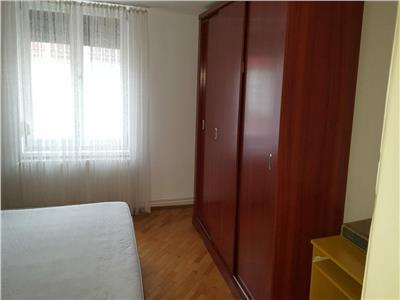 OFERTA REZERVATA!!!Nivel in vila, cu terasa, loc parcare Central, Brasov