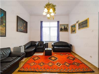 OFERTA TRANZACTIONATA!!!! Elegant nivel in vila, curte proprie, Brasov
