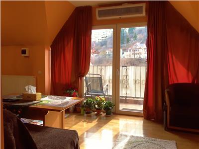Doua nivele in casa, cu terase, segmentul Oportunitate, Sirul Livezii, Brasov