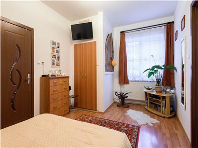 OFERTA TRANZACTIONATA!!Proprietate in casa, cu terasa, acces auto in curte, Central, Brasov