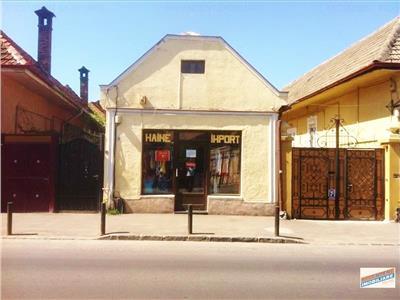 Casa singura in curte + Spatiu cu vitrina, Brasov, Central