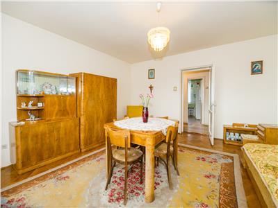 Apartament insorit, intr- o oaza de verdeata, Central, Brasov