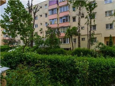 Apartament decomandat, mobilat si utilat, Grivitei, Brasov