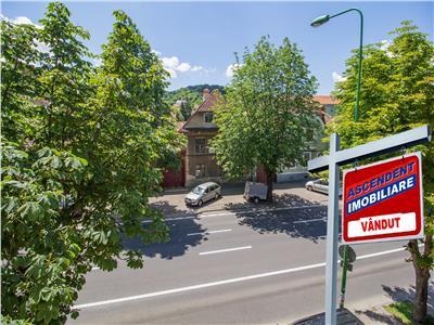 OFERTA TRANZACTIONATA!!!!  Imobil, doua balcoane, parcare in curte,  Central, Brasov
