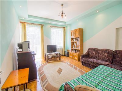 Apartament 85mp utili,  doua balcoane, parcare in curte,  Central, Brasov