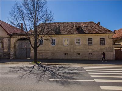 OFERTA TRANZACTIONATA!!!Apartament in casa, cu garaj, terasa si pod propriu, zona de case Blumana, Brasov