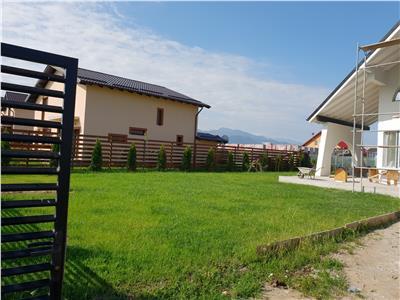 Vila pe proiect remarcabil, 600 mp teren, intrare  Sanpetru, Brasov