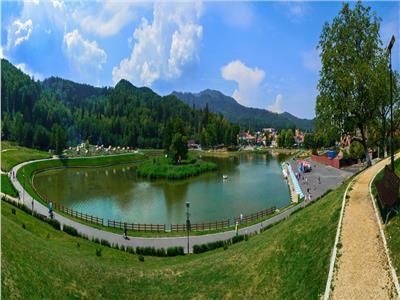 Vila noua, pentru doua familii cu 800 mp teren, in  Brasov